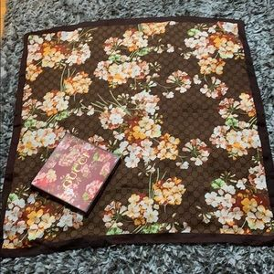 Gucci scarf. Excellent condition.